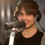 Video: Alexander Rybak played a live concert on radio