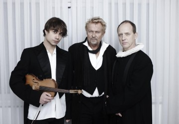 """Theater: Alexander Rybak plays the role of violinist and composer Ole Bull in """"Soot-Spelet"""", Norway"""