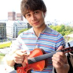 "Book-Review: ""Alexander Rybak writes about outsider with fiddle"""