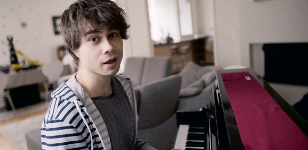 Alexander Rybak – Q&A with piano