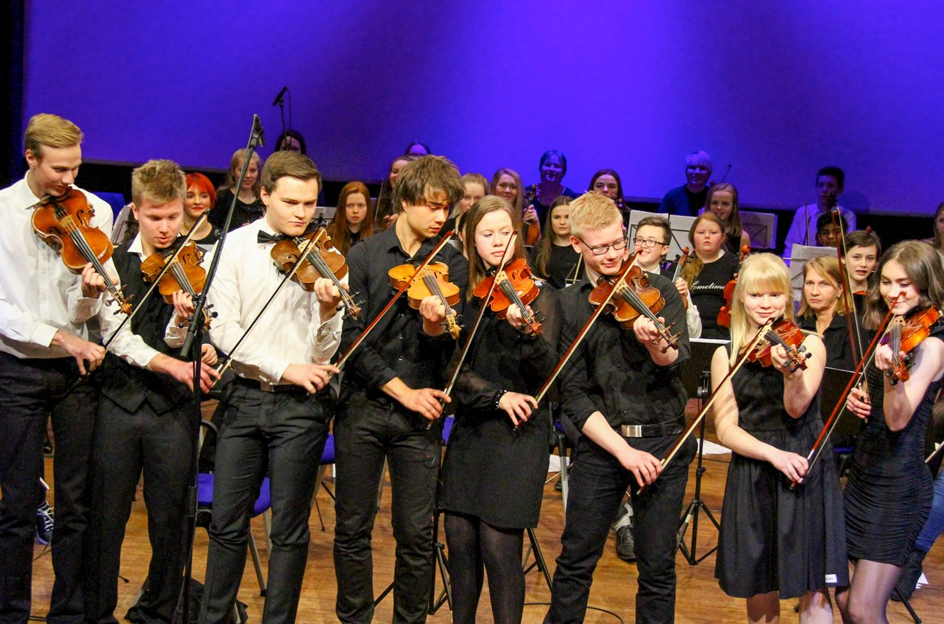 Videos & Photos: Concert with Alexander Rybak & Young musical talents at Fosnavåg Concerthouse, Norway