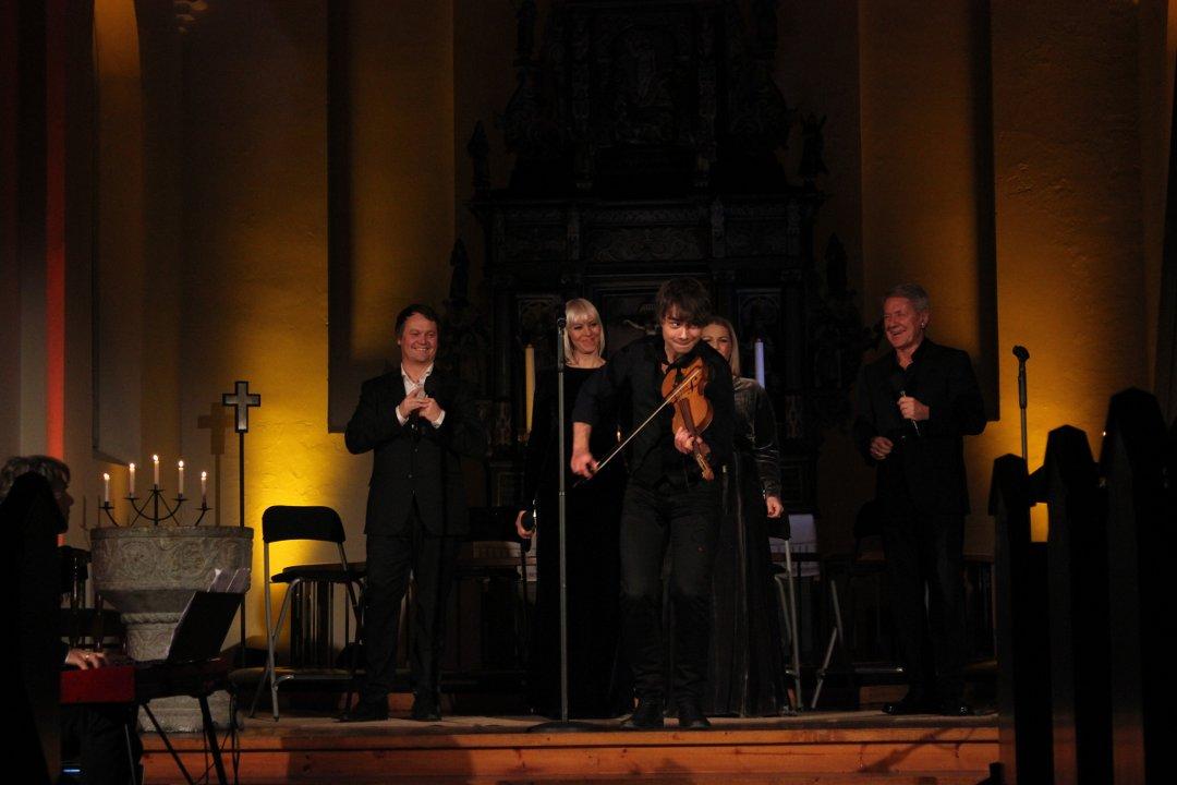 A blast of a Christmas concert in a full Eidsberg Church