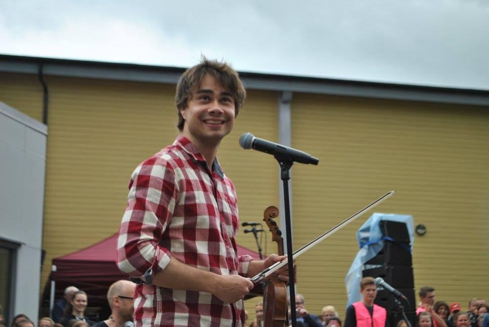 Videos, photos etc. from Alexanders performance in Sveio, Norway 3.6.2017