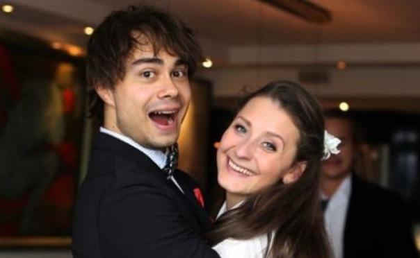Alexander Rybak presented his beloved Julie with a romantic Birthday-gift
