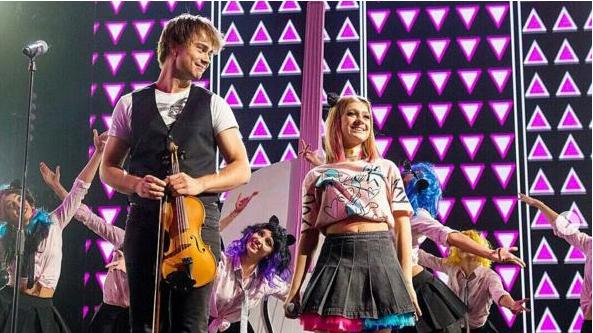 """Video/Photos: Alexander Rybak was guest in the TV-show """"Новая Фабрика звезд"""" (""""New Star Factory"""")"""