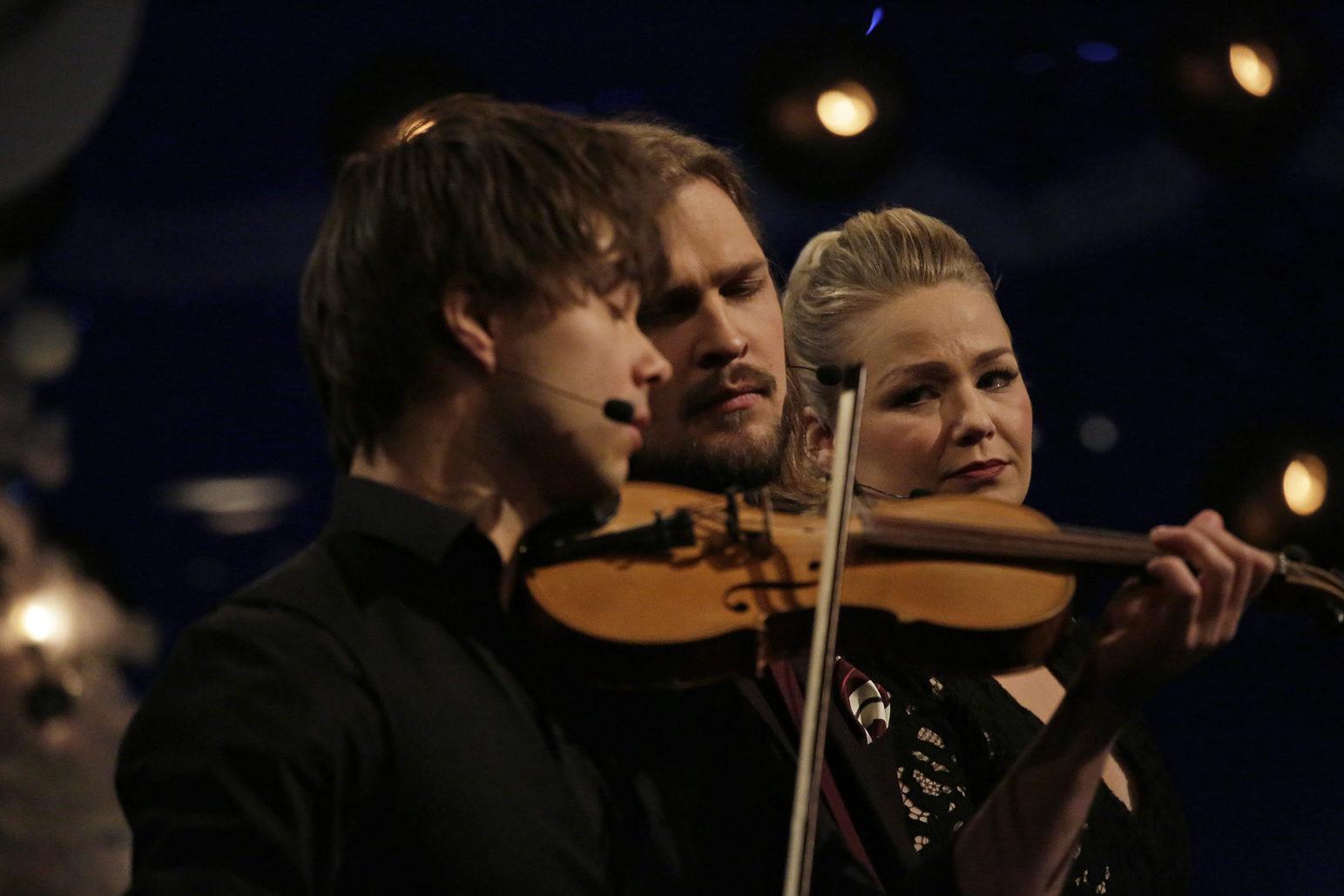 "Photos&Video: Alexander Rybak in NRK Christmas-Special of ""Beat for Beat"""