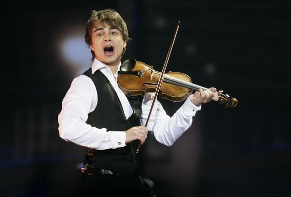 Ereportaz.gr: Favorite Eurovision artist Alexander Rybak talks to BAM