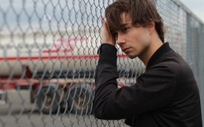 "Hochu.ua:  Alexander Rybak presented the autobiographical track ""Behind"" (PREMIERE)"